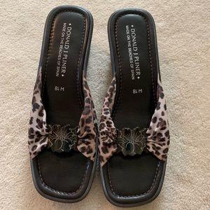 Donald Pliner wedge sandal animal print size 8.5